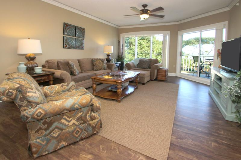 Windsor Place, 305 - Image 1 - Hilton Head - rentals