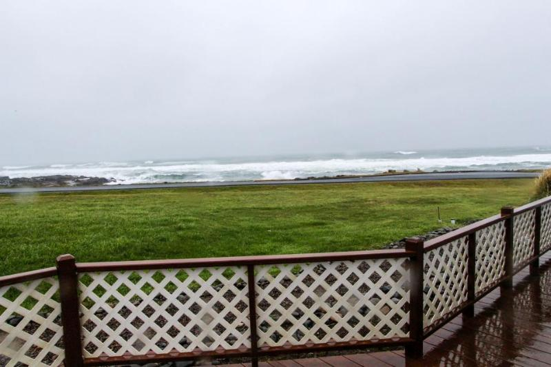 Comfortable family-friendly home w/ stellar ocean views! - Image 1 - Yachats - rentals