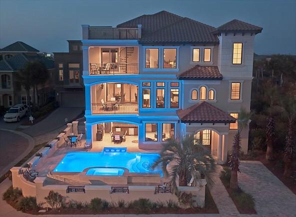 pool and house view - Gigglin Marlin - Destin - rentals
