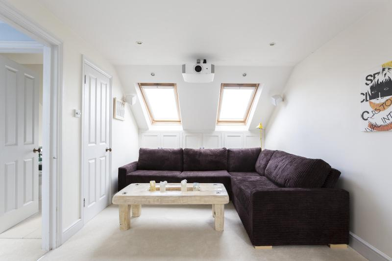 One Fine Stay - Ashburnham Road III apartment - Image 1 - London - rentals