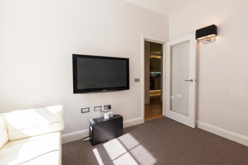 One Fine Stay - Atherstone Mews apartment - Image 1 - London - rentals