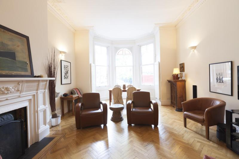 onefinestay - Barkston Gardens III private home - Image 1 - London - rentals