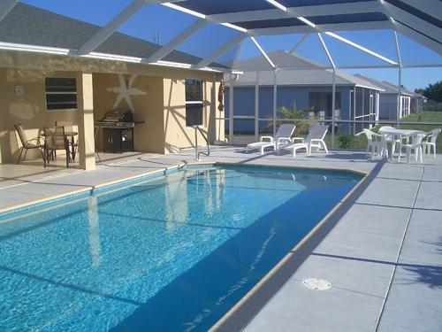 "BIG POOL :) - G I G A - H O M E S -  ""Sunshine"" - Cape Coral - rentals"