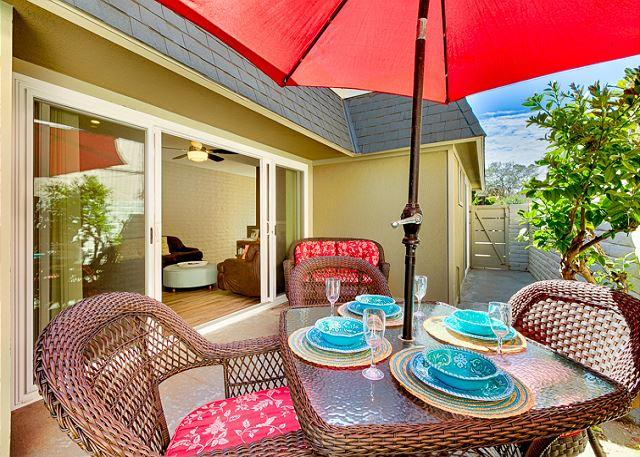 Brightly furnished patio on side of Sweet Spot 1! - 15% OFF MARCH/APRIL DATES - Walk to Beach - Great Location Close to Village - Del Mar - rentals