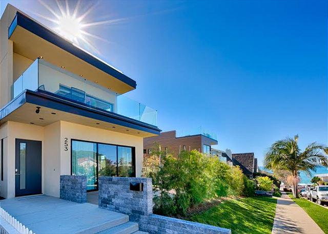 Welcome to Coastal Captivation! - Expansive White Water Views of Pacific Ocean and Windansea Beach - La Jolla - rentals