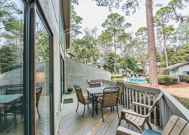 Dine Outside - Ocean Gate 6, 2 Bedrooms, Large Pool, Tennis, Walk to Beach, Sleeps 6 - Forest Beach - rentals