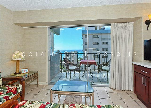 Ocean View Lanai, central A/C, 5 min. walk to beach!  Sleeps 4. - Image 1 - Waikiki - rentals