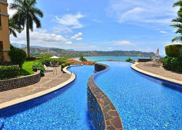 Relax and take up the sun at the infinity pool located at the hilltop of Los Sueños  - Luxurious Penthouse w/Incredible View and infinity pool at Los Sueños! - Herradura - rentals