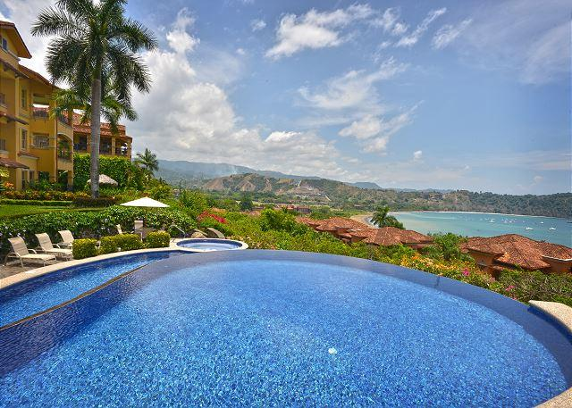 Pool area located at the Hilltop with Great View of the Resort & Herradura Bay. - Luxurious Penthouse w/Incredible view at Los Sueños!Book Now for the Holidays - Herradura - rentals