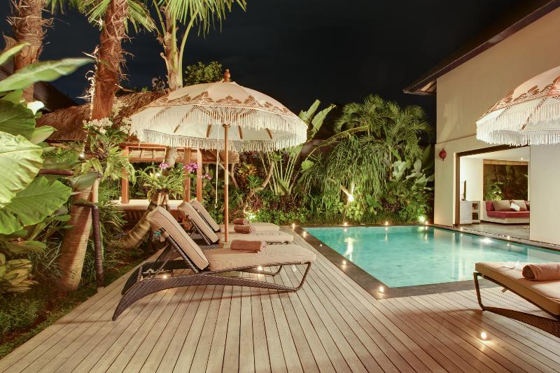 4 beds, 2 pools Luxury Villa Seminyak - Image 1 - Seminyak - rentals