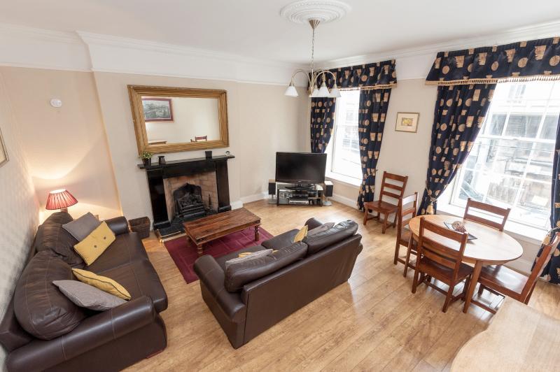 lounge - Blair St 1, just off Royal Mile - Edinburgh - rentals
