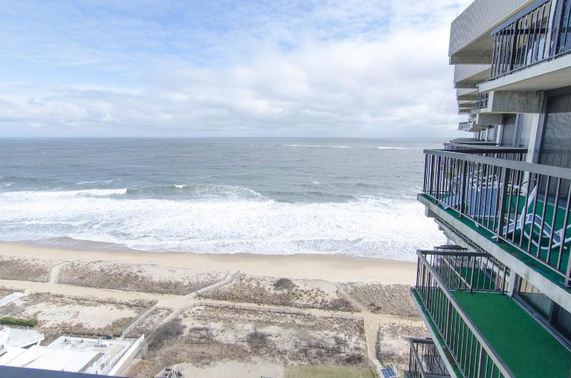Amazing Ocean Views, Very Spacious Condo, Lots of Light & Balconies! - Spectacular 4 Bedrooms Bi-level Oceanfront - Ocean City - rentals