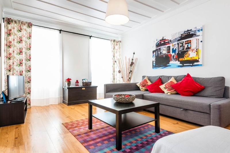 OLD CITY CENTER APARTMENT 2 BEDROOMS - WIFI - Image 1 - Lisbon - rentals
