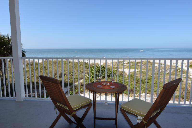 Beautiful Sunsets - (201)BEACH FRONT/2 BEDROOM 2 BATH - Indian Rocks Beach - rentals