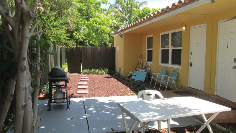 CUTE YELLOW  COTTAGE JUST FEW STEPS FROM BEACH - Image 1 - Fort Lauderdale - rentals