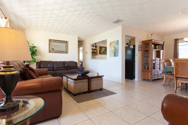 Welcome to your home away from home! - Hollywood Florida's Ultimate Vacation Rental Home! - Hollywood - rentals