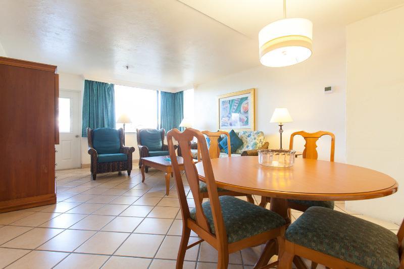 Living Room - Golden Strand 1 Bedroom Condo - Sunny Isles Beach - rentals