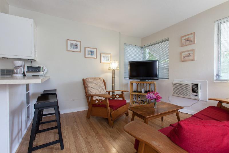 Living Room - Vacation Efficiency - Fort Lauderdale - rentals