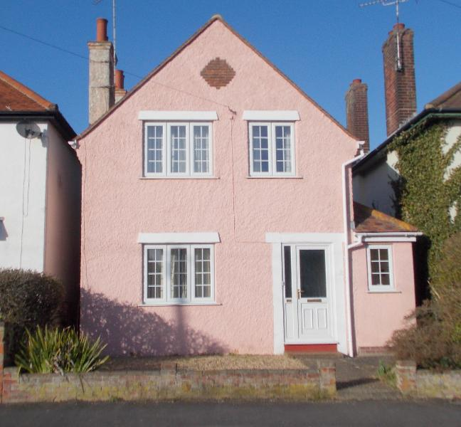 front of house - Pink House Pole Barn Lane - Frinton-On-Sea - rentals