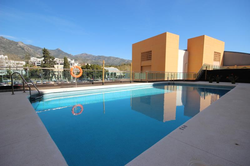 1838 - 2 bed garden apartment, central Marbella - Image 1 - Marbella - rentals