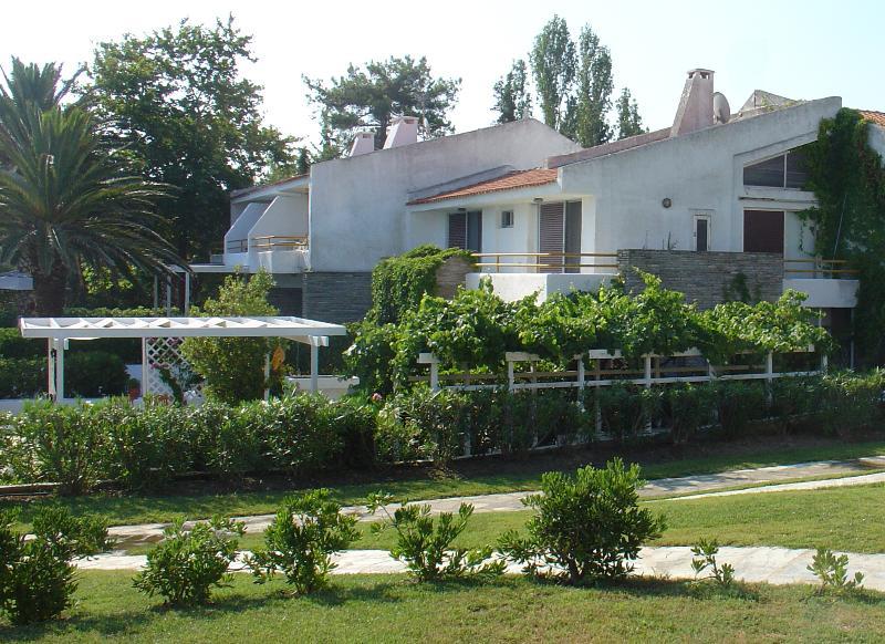 Sea Front Coast Villa in Chalkidiki - Image 1 - Pefkohori - rentals