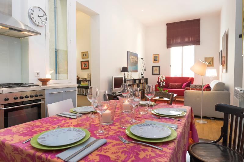 Dinning - Living room - Modern and elegant apartment Plaza Colon - Madrid - rentals