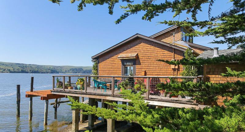 Welcome to Lolo's... perched above the Bay. - Lolo's Cottage... Perfect Gem with Private Beach - Marshall - rentals