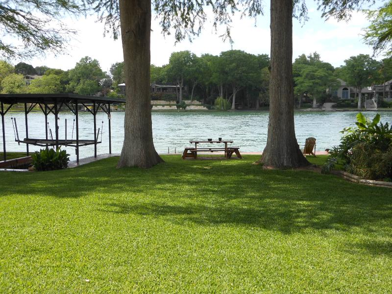 River Bend Lake House - Image 1 - New Braunfels - rentals