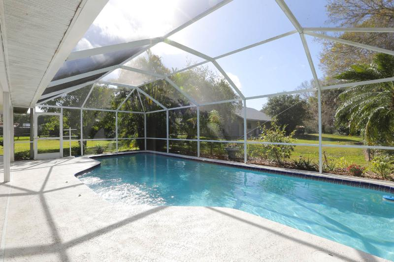 Elegant 4 Bedroom 3 bath Executive Home - HEATED POOL near Siesta Key Beaches!!! - Image 1 - Sarasota - rentals