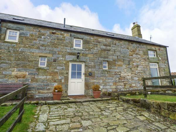 MERRYVIEW, luxury cottage, woodburner, freestanding bath, wonderful views, Longframlington, Ref 935199 - Image 1 - Longframlington - rentals