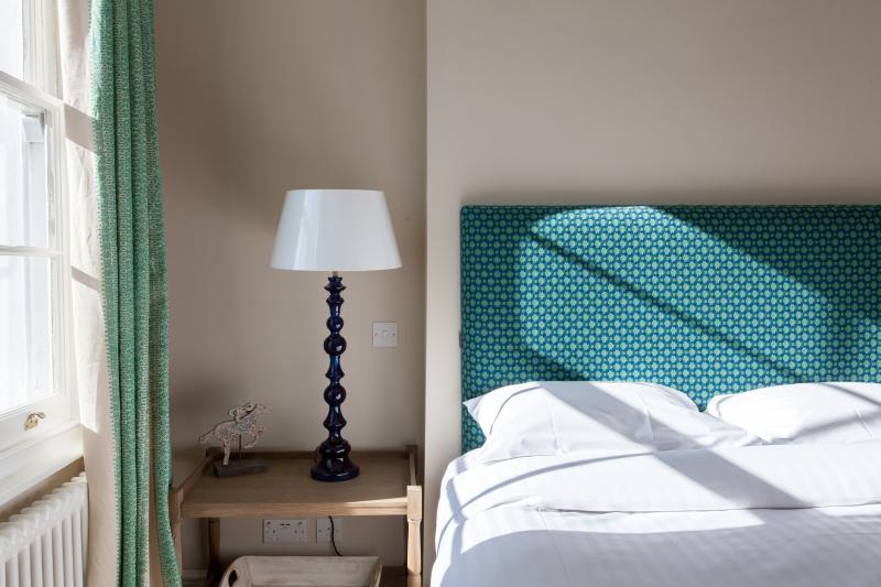 One Fine Stay - Edge Street III apartment - Image 1 - London - rentals