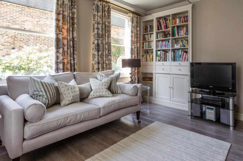 One Fine Stay - Harcourt Terrace IV apartment - Image 1 - London - rentals