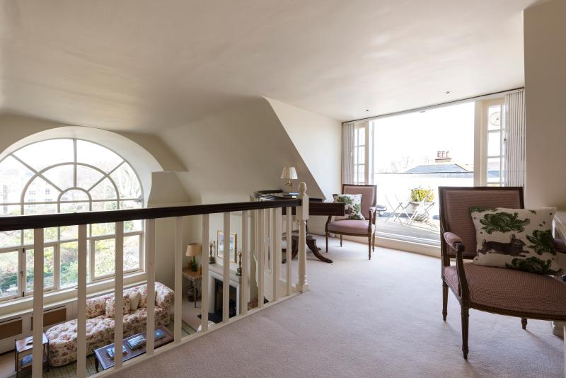 One Fine Stay - Ladbroke Road II apartment - Image 1 - London - rentals