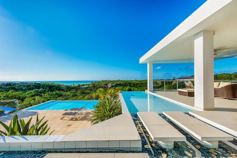 GRAND BLEU... the name says it all! Fabulous contemporary villa, walk to Plum Baie beach - Image 1 - Terres Basses - rentals