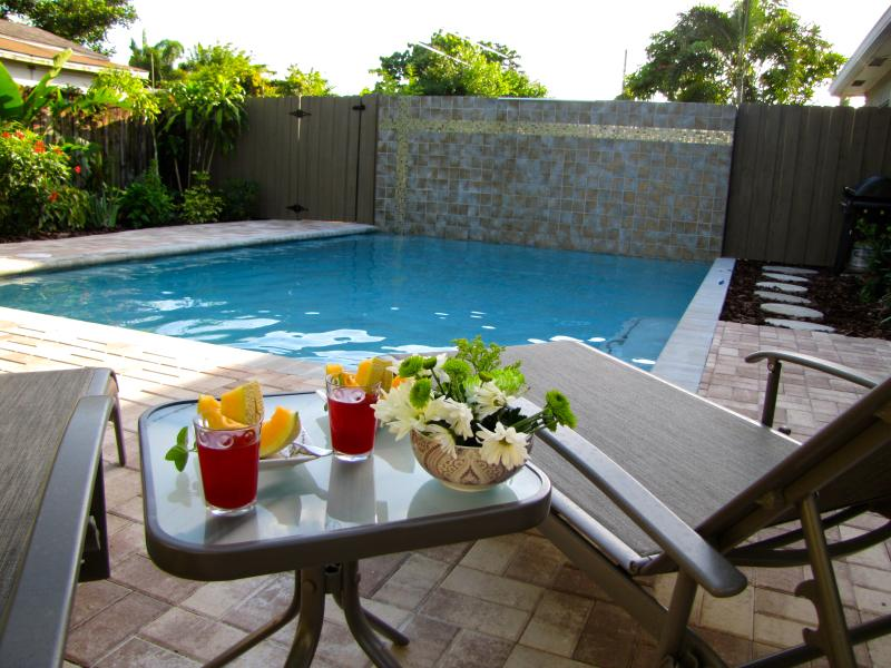 WILTON BUNGALOW EAST - 2bed/2 bath home with pool - Image 1 - Fort Lauderdale - rentals
