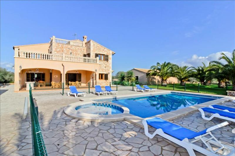 Chalet El Olivo- Great family chalet near to the beautiful beach Es Trenc - Image 1 - Campos - rentals