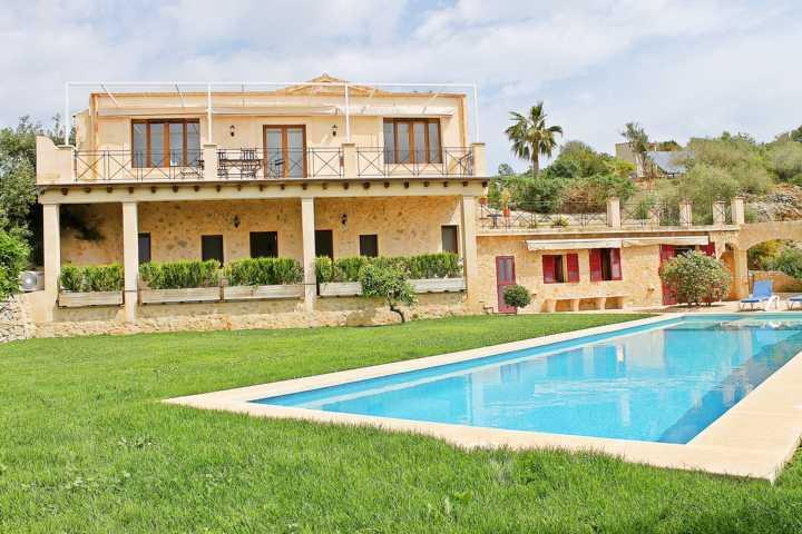 Finca Casa Verde - Modern finca with a lot of space to relax in Son Macia - Image 1 - Son Macia - rentals