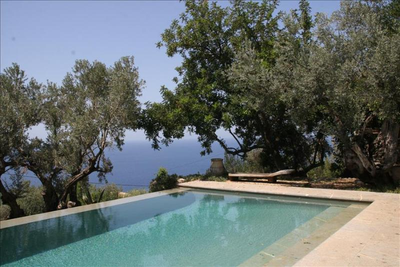 Es Rebollo- Beautifully restored farmhouse with swimming pool and sea view in - Image 1 - Deia - rentals