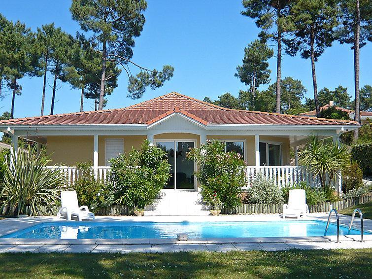 3 bedroom Villa in Lacanau, Gironde, France : ref 2299528 - Image 1 - Lacanau - rentals