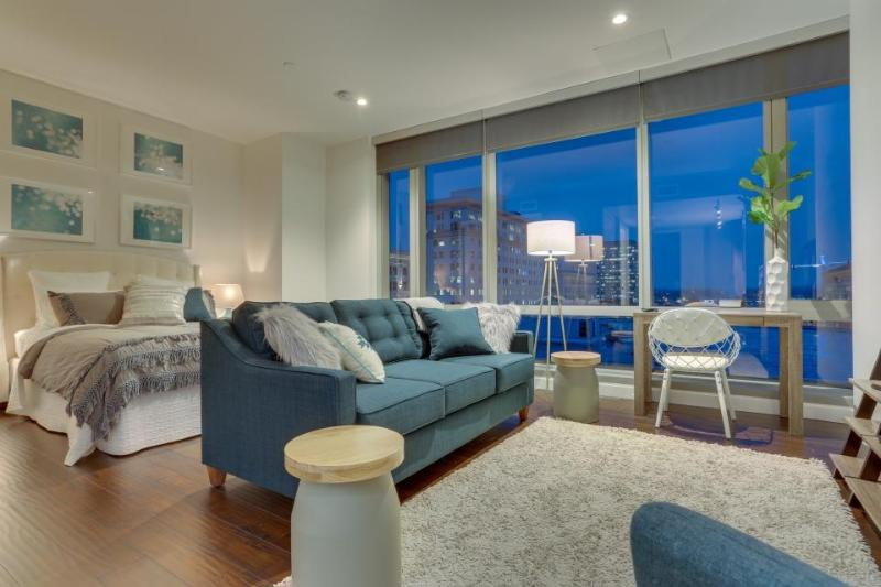 Chic studio-style condo downtown w/ city views - dogs OK! - Image 1 - Portland - rentals