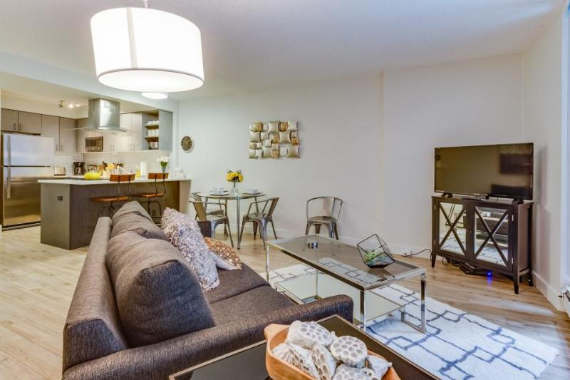 Modern and inviting downtown Seattle condo w/ pool & sauna! - Image 1 - Seattle - rentals