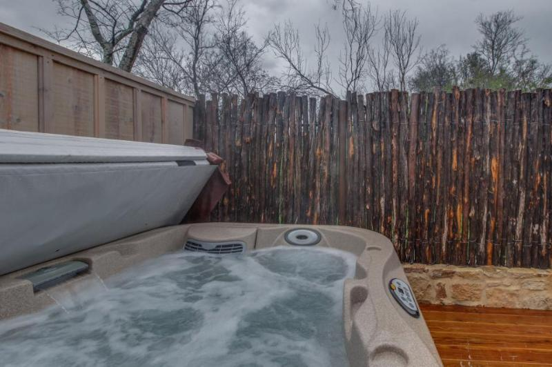 Romantic cottage w/private hot tub and gas fireplace for two! - Image 1 - Fredericksburg - rentals