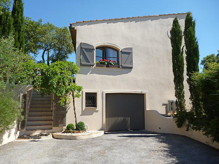 3 bedroom Villa in La Mole, Cote d Azur, France : ref 2299567 - Image 1 - La Mole - rentals
