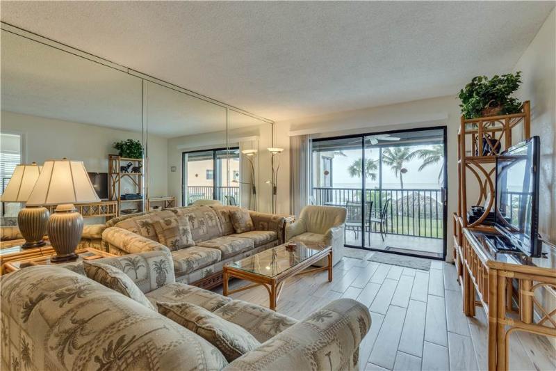 Villa Del Mar 203, 2 Bedrooms, Gulf Front, Elevator, Heated Pool, Sleeps 5 - Image 1 - Fort Myers Beach - rentals