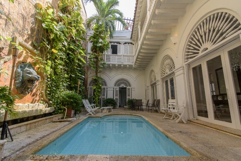 Cozy 3 Bedroom Home in Old Town - Image 1 - Cartagena - rentals