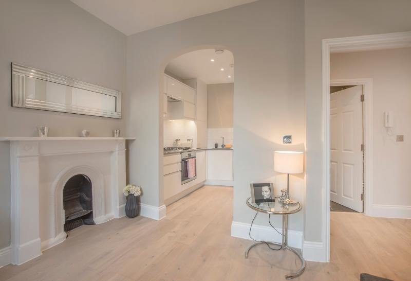 A Smart 1 Bedroom Apartment in Covent Garden - Image 1 - London - rentals