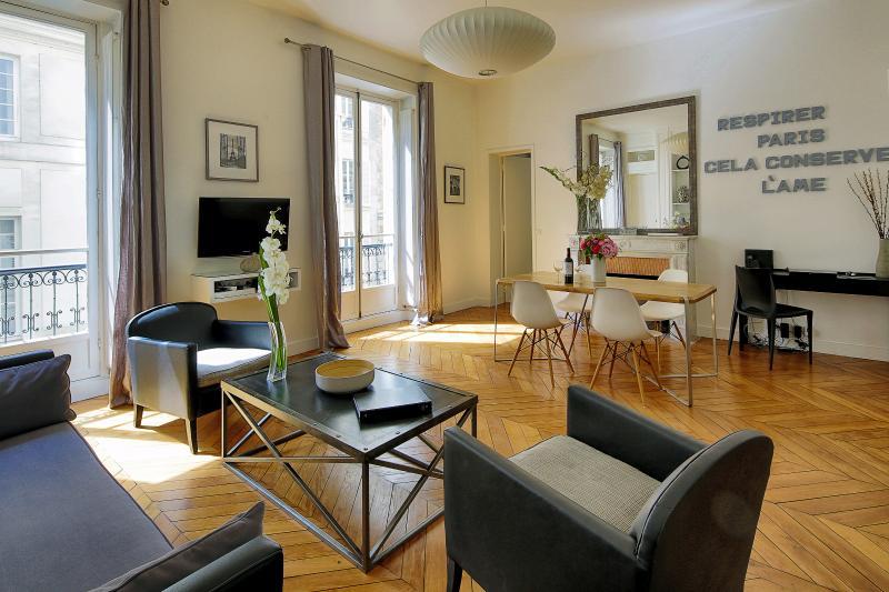 Chic 2 Bedroom Apartment Close to Luxembourg Garden - Image 1 - Paris - rentals