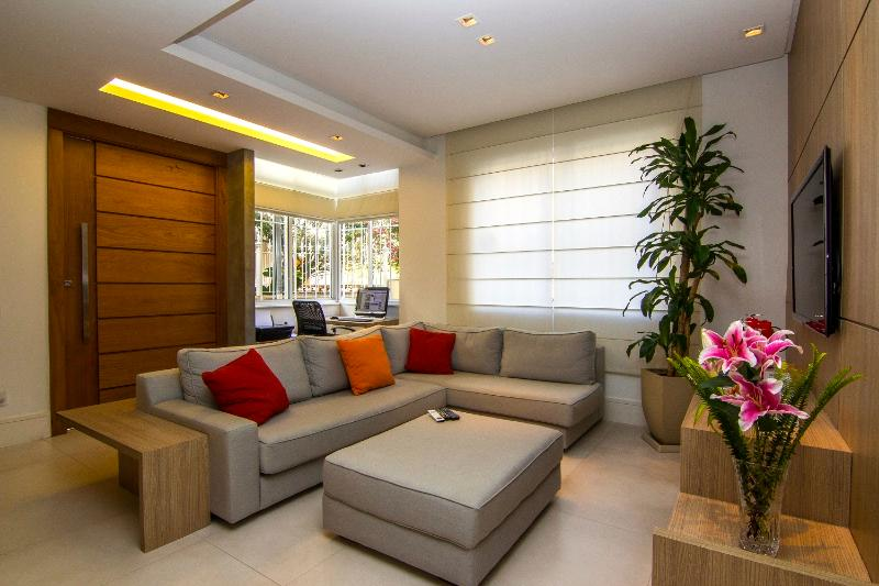 Chic 2 Bedroom Apartment Located in Ipanema - Image 1 - Rio de Janeiro - rentals