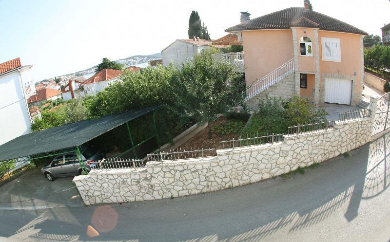 house - 5160 A(5+1) - Okrug Gornji - Okrug Gornji - rentals