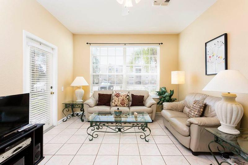 Butterfly Palm, 3 Bedrooms, Windsor Palms, Pool, Sleeps 8 - Image 1 - Kissimmee - rentals
